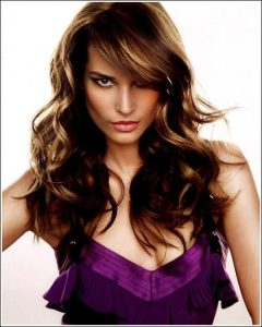Long-Layered-hair-with-natural-Sea-wave-curls