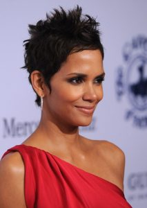 halle berry summer hairstyles