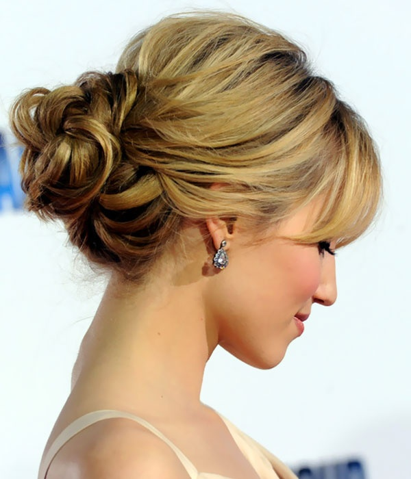 Four Classic And Elegant Updo Hairstyles - Classic elegant hairstyle