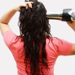 670px-Blow-Dry-Your-Hair-Without-Getting-Damaged-Step-2
