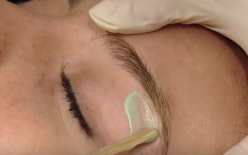 Eyebrow Threading vs. Waxing
