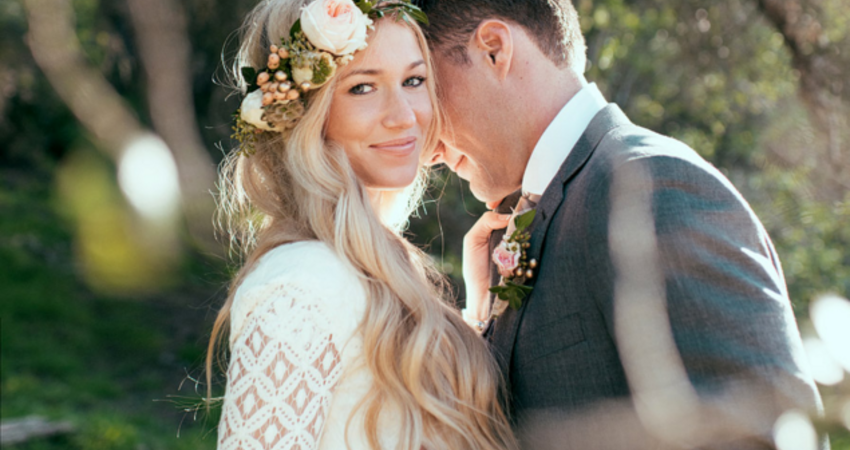 30 Wedding Hairdos for Every Wedding Attendee