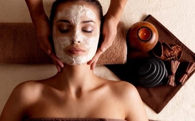 4 Steps to the Perfect DIY Facial Massage
