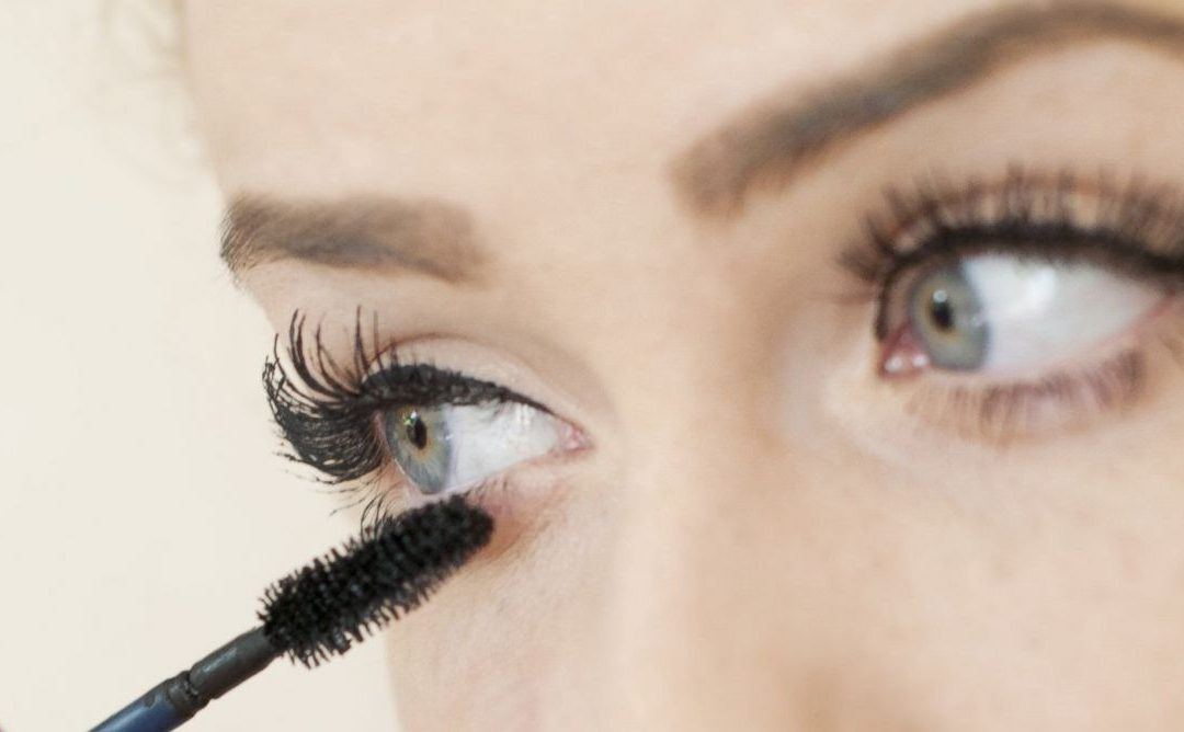 The Money Savvy Girl's Guide To The Best Drugstore Mascara
