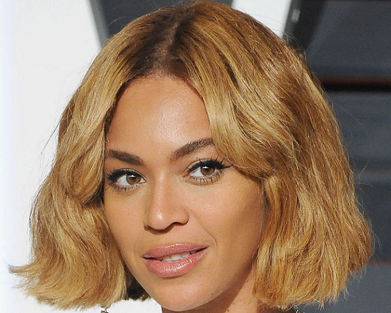 Beyonce with a blunt bob haircut