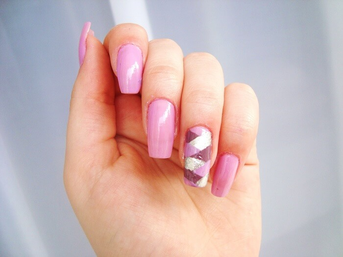 pink nail art polish