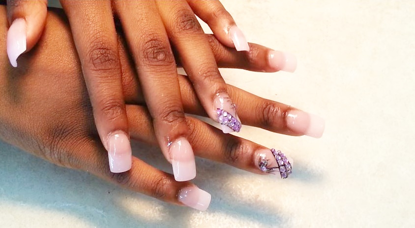 Powder Nails: The Latest Home and Salon Nail Trend