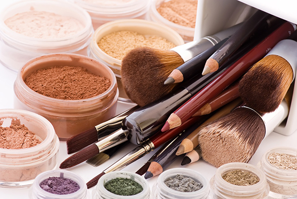 Top 13 Best Organic Makeup Brands In The Market Today
